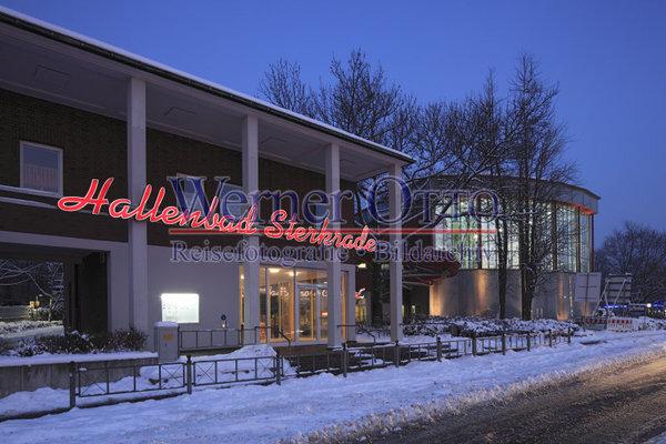 details zu 1003504490 hallenbad sterkrade im winter abendstimmung blaue stunde oberhausen. Black Bedroom Furniture Sets. Home Design Ideas