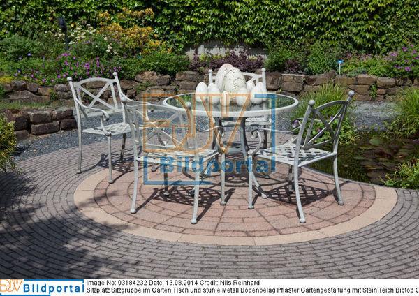Details Zu 0003184232 Sitzplatz Sitzgruppe Im Garten Tisch Und