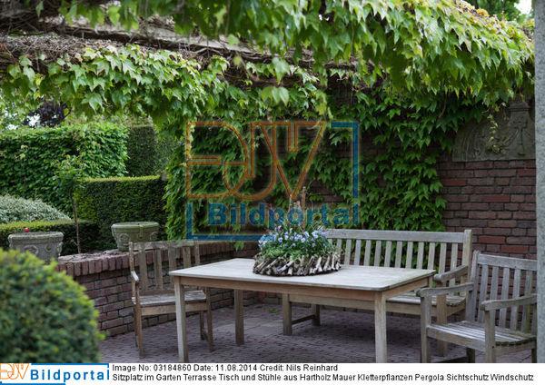 Details Zu 0003184860 Sitzplatz Im Garten Terrasse Tisch Und